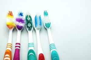 как правильно подобрать зубную щетку?